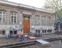 """Travaux devant l'école Marc Bloch (Lyon 7ème) pour transformer les abords en """"zone de rencontre"""", à savoir la quasi piétonnisation de cette partie de la rue Chevreul. ©LB/Rue89Lyon"""