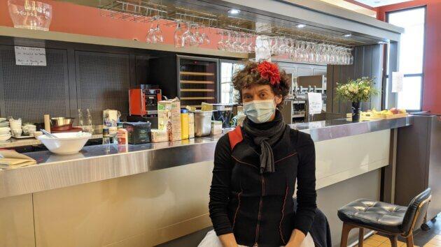 Emmanuelle, clown et comédienne, aux 1 mois d'occupation du TNP, à Villeurbanne ©LS/Rue89Lyon