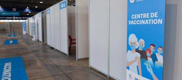 Comment Laurent Wauquiez fait de la vaccination un support de communication