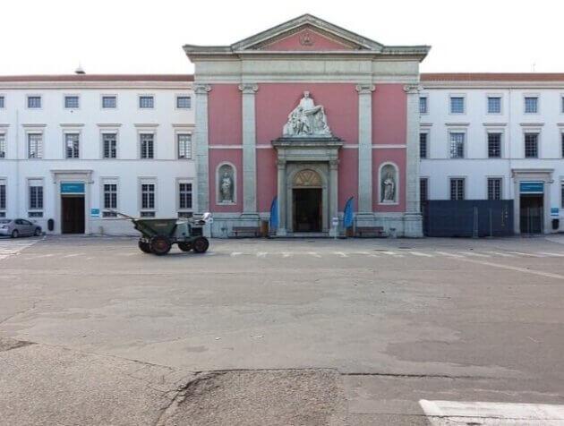 Saint Jean de Dieu est un établissement privé d'intérêt collectif spécialisé en psychiatrie, situé dans le 8ème arrondissement de Lyon. CC