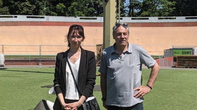 Julie Nublat-Faure, adjointe aux sports à la Jeunesse, à la Vie Associative, et à l'éducation populaire de la Ville de Lyon et Daniel Colonel de la direction des Sport et en charge de la piscine éphémère du Parc de la Tête d'Or.