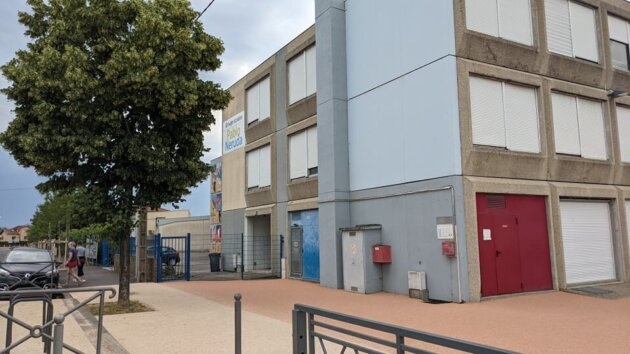 Bureau de vote Pablo Neruda pour les régionales à Vaulx-en-Velin ©LS/Rue89Lyon