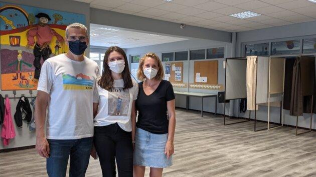Foued, Jade et Carole au bureau de vote Pablo Neruda pour les régionales à Vaulx-en-Velin ©LS/Rue89Lyon