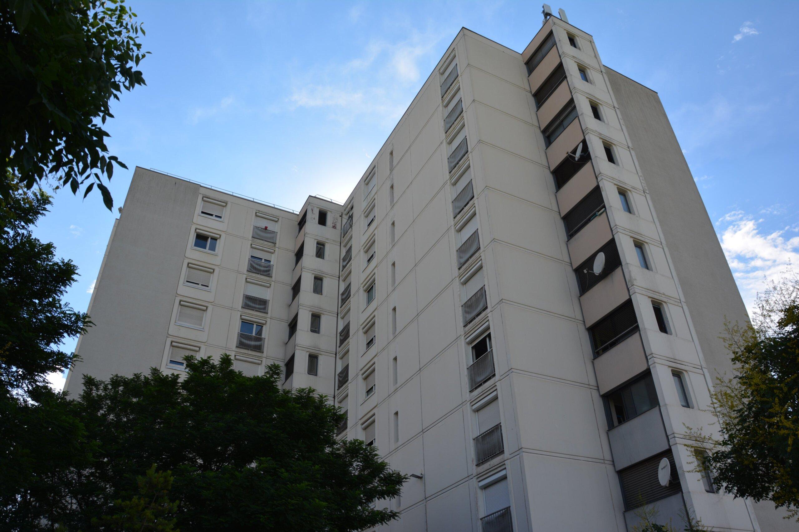 La barre d'immeuble de Santé commune.