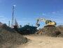 vallée de la chimie travaux tas de terre chantier pelleteuse usine Feyzin
