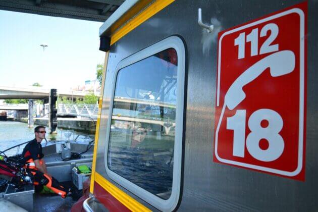 bateau polyvalent de secours des pompiers du Rhône