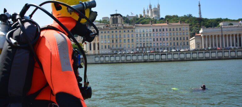 Noyades à Lyon: un après-midi avec les sapeurs-pompiers du Rhône