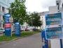 Devant l'hôpital de la Croix rousse, à Lyon, qui accueille des patients touchés par le coronavirus.