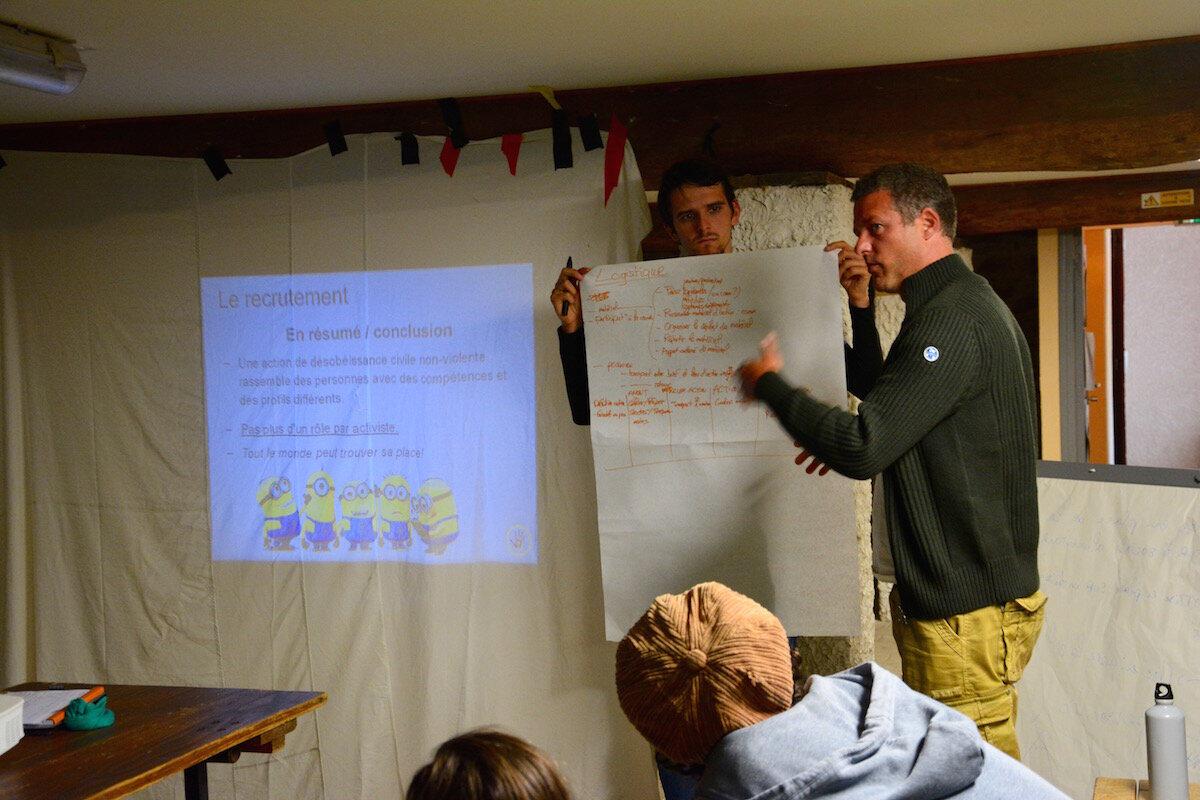 Durant cinq jours, une centaine de militants et sympathisants de l'écologie se sont rendus à Ranchal, à une heure au nord de Lyon, dans le Beaujolais, pour un Camp climat.