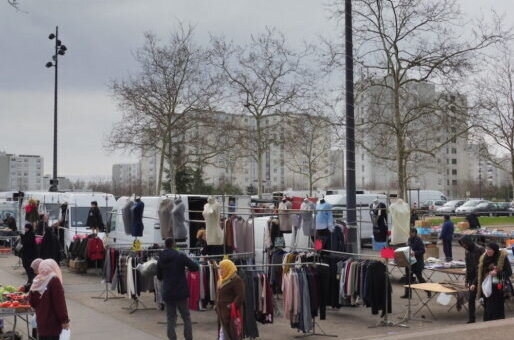 A Vaulx-en-Velin, «ma mère doit faire des kilomètres pour trouver un bus et faire son marché»
