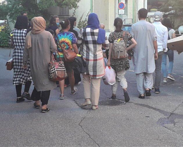 Forum Réfugiés a accueilli 85 Afghans sur Lyon et Villeurbanne dans la nuit du 24 au 25 août.