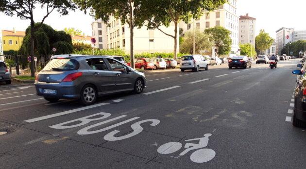 velo lyon coronapiste piste cyclable rue Garibaldi