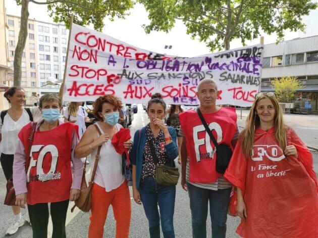 Manifestation syndicale hôpital Edouard Herriot obligation vaccinale